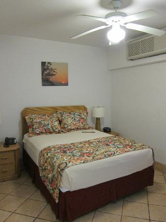 Grace Bay Suites: camera da letto
