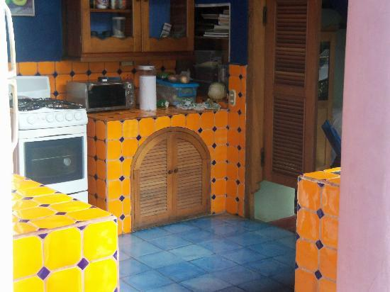 Hotel Casa Capricho: FULLY EQUIPPED KITCHEN FOR GUESTS