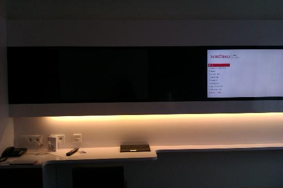 DORMERO Hotel Stuttgart: Tv-Computer-Hi-Tech