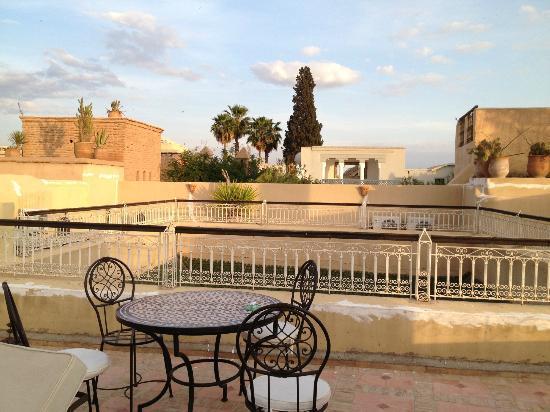 Riad Cherkaoui: La terrasse