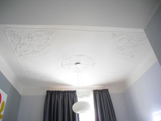 ‪‪Prague City Apartments Residence Brehova‬: Elegant ceiling‬