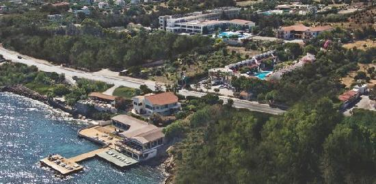 Lapta Holiday Club Hotel: Aerial shot showing seafront setting