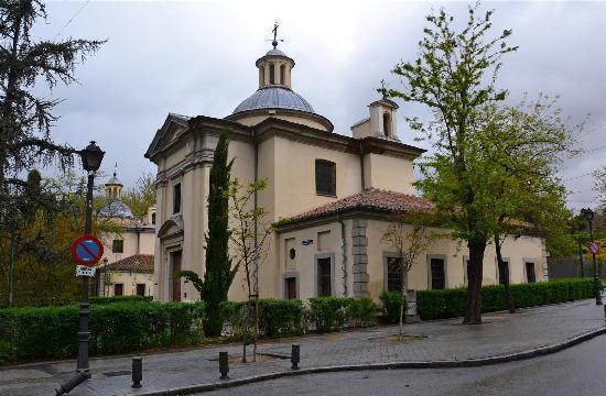 Parroquias de San Antonio de la Florida y San Pio X : esterno