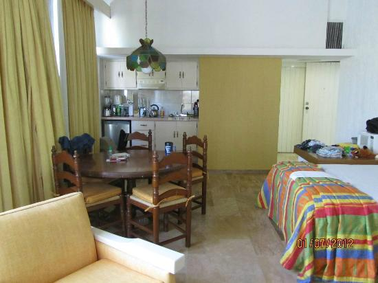 El Cid Granada Country Club: One of the rooms in the one bedroom units (studio room)