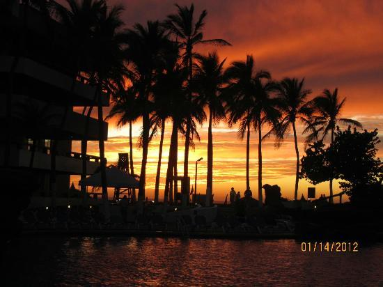 El Cid Granada Country Club: One of the many beautiful sunsets we saw at El Cid