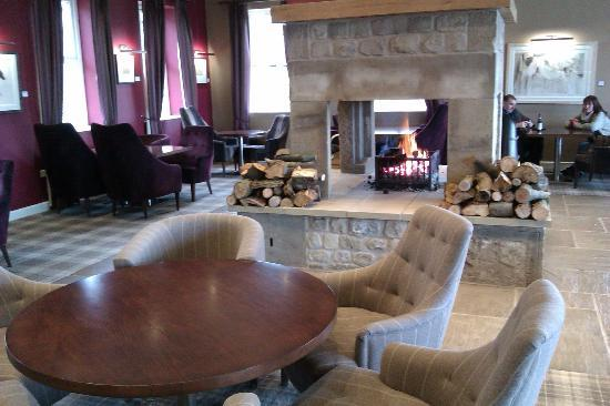 The Coniston Hotel Country Estate & Spa: Huntsmans Lounge