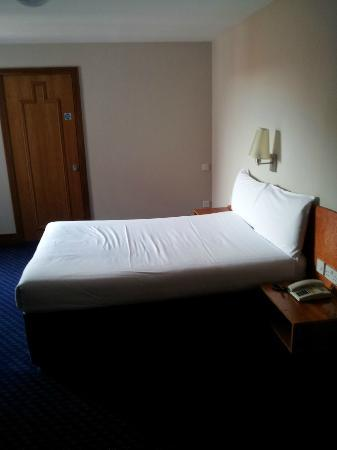 Travelodge Derry: room 4