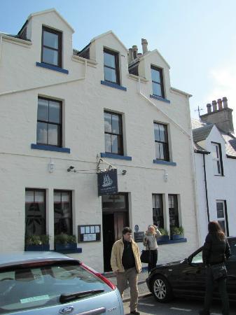 The Harbour Inn: main house