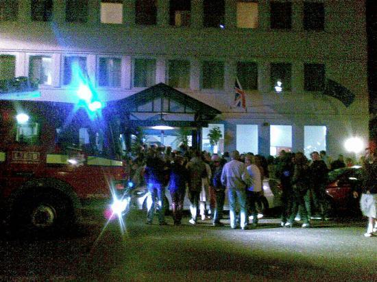 Ambassadors Hotel: Пожарная тревога ночью с 4 на 5 мая 2012 г.