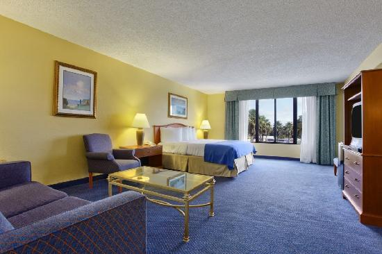 Ramada Lakeland : Suite Photo