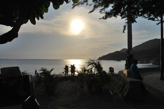 Hotel Bahia Taganga: Sunset