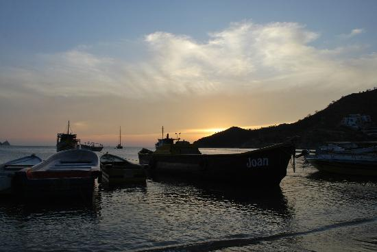 Bahia Taganga Hotel: Sunset