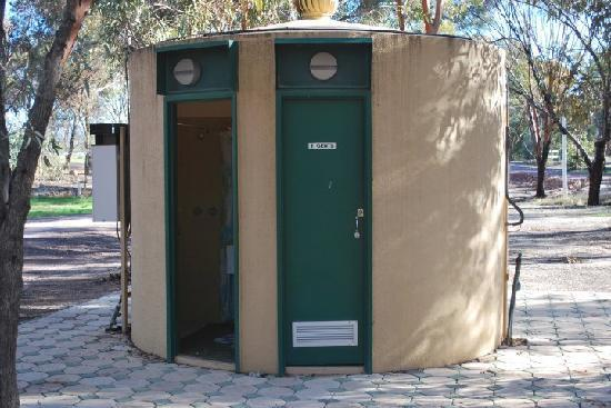 Stony Creek Bush Camp Caravan Park : Unique shower block