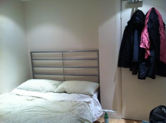 72qt Guest House : The Room