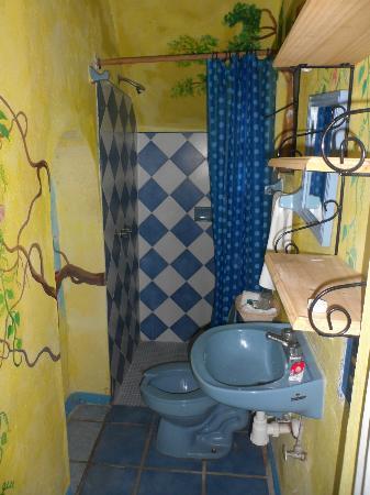 Hotel La Estancia: baño
