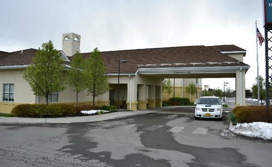 Homewood Suites by Hilton Ithaca: main entrance