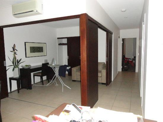 Paradiso Resort Kingscliff : From Kitchen to area which could be the 3rd bedroom.