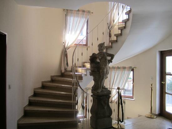 Hotel der Platengarten: Hotel staircase