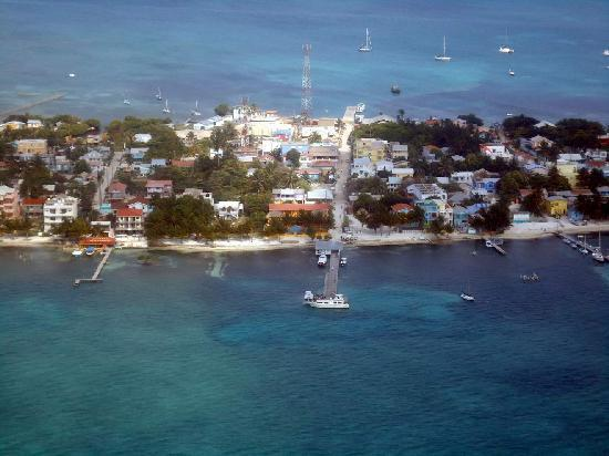 Caye Caulker: Even looks welcoming from the air