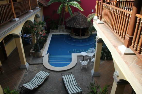 Hotel Colonial: Cool pool