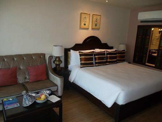 Sheik Istana Hotel: room pic 2