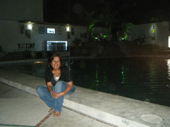 WinMeier Hotel y Casino: Frente al bar en la piscina