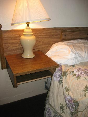 Lighthouse Inn Florence: missing drawer