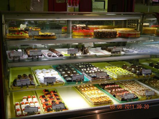 Poupart Bakery: inside