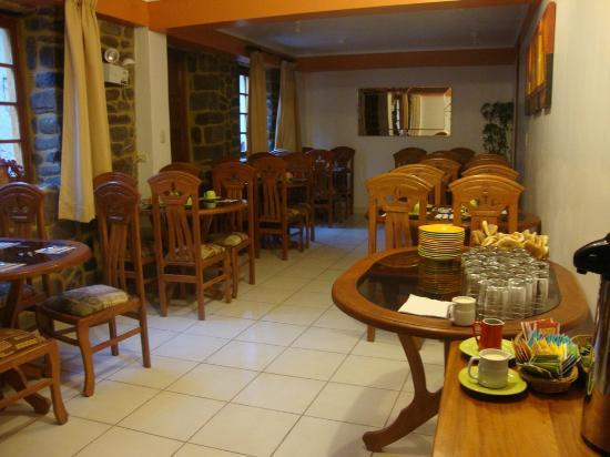 Tikawasi Valley Hotel: The dinning room for breakfast
