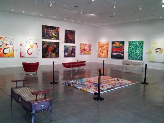 DM Weil Gallery: Huge piece on the floor
