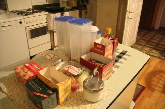 Vila Gorenka: Breakfast -  there are several instant coffee and tea with honey