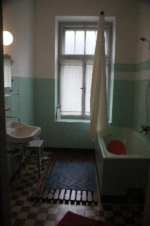 Vila Gorenka: Shared bathroom on second floor. There is another shared bathroom on 3rd floor