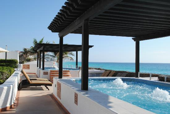 GR Caribe by Solaris: Hot tubs