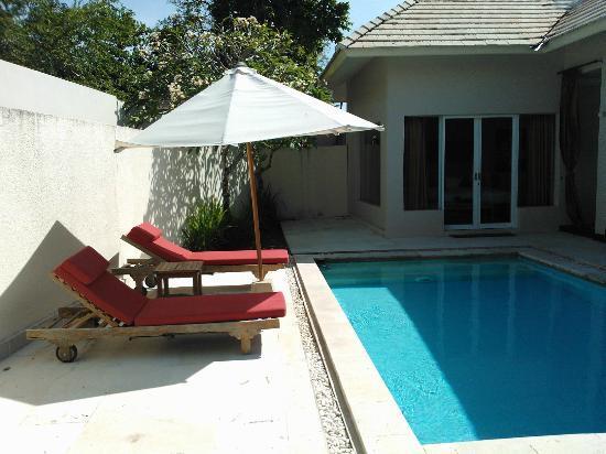 Kamuela Villas Seminyak: pool area