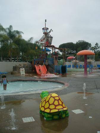 Howard Johnson Anaheim Hotel and Water Playground: Children's pool & waterpark