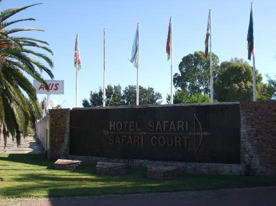 Safari Hotel: Hotel sign