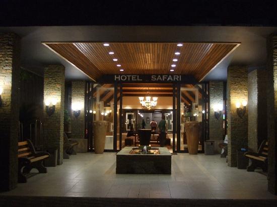 Safari Hotel: Hotel lobby
