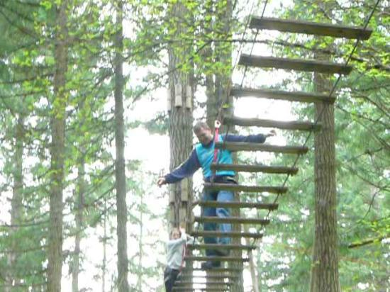 WildPlay Element Parks: Keep your balance, show off! :)