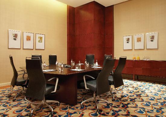 New World Manila Bay Hotel : Meeting Room