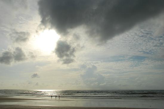 Kamala Beach: Sunset at Kamala