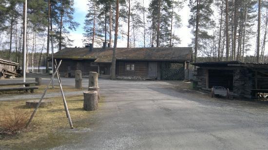 JÄTKÄNKÄMPPÄ SAUNA