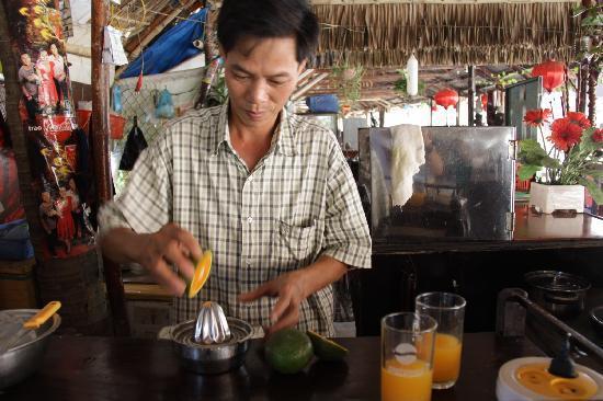 Hi Restaurant: Fresh Orange Juice