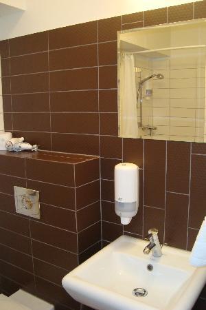 Hotel Willa Litarion: Badezimmer