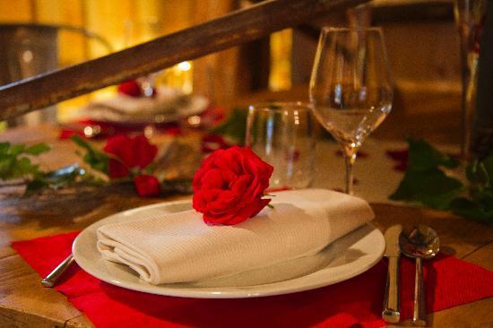 Rhodes, Francia: Le Parc Sainte-Croix vous propose un accueil mémorable et romantique avec champagne, chocolats..