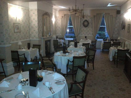 Ebury Hotel and Serviced Apartments: Dinning room