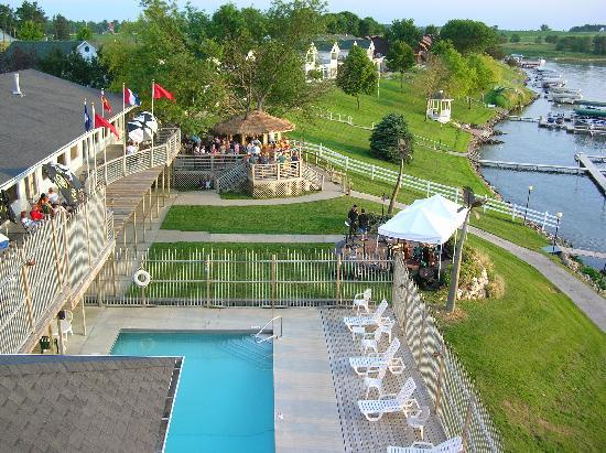 The Port on Lake Panorama: Pool and TIki Bar
