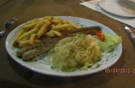 Swakopmund Brauhaus : Bratwurst & sauerkraut