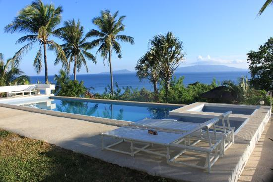 Amihan Villa: Do not expect a lap pool, but even though small in size its a good size to do several strokes.