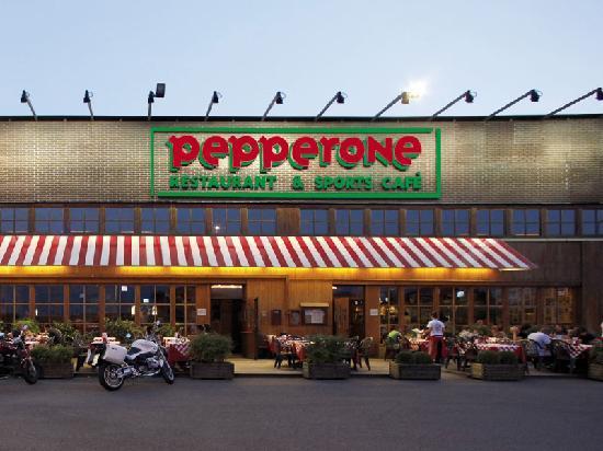 Pepperone san giovanni lupatoto ristorante recensioni for Arredamenti san giovanni lupatoto