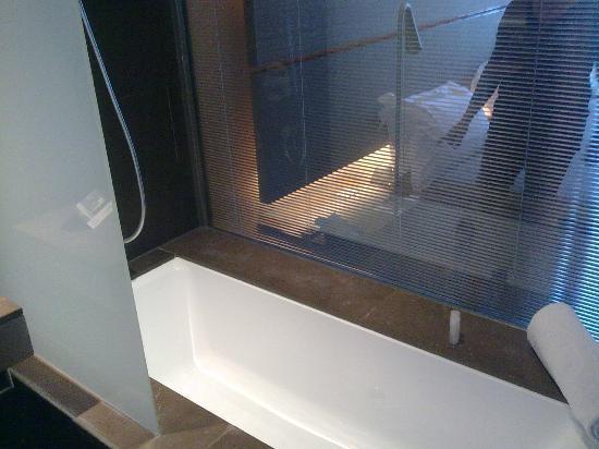 Vasca Da Bagno Per Hotel : Vasca da bagno con doccia foto di b hotel barcellona tripadvisor